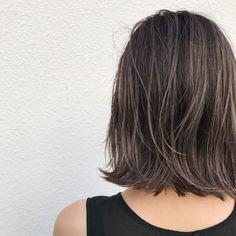 Pin on ヘアスタイル Brown Hair With Highlights, Hair Color Highlights, Medium Hair Styles, Short Hair Styles, Girl Hair Colors, Hair Upstyles, Hair Arrange, Hair Setting, Balayage Hair