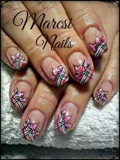Pink nail/ Nail with pink flower/ Akril mintás köröm