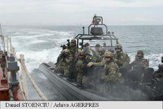 Peste 1.300 de militari și 17 bastimente ale forțelor navale din șapte țări membre ale Alianței Nord-Atlantice, scafandri specializați în descoperirea și neutralizarea minelor subacvatice (EOD), ofițeri de stat major din Turcia și Bulgaria, un elicopter Puma Naval, două avioane MiG 21 Lancer și o navă a Gărzii de Coastă au ieșit în marș, miercuri în zori, la limita estică a radei Portului Constanța, pentru a desfășura opt secvențe reale de luptă în cadrul exercițiului multinațional Poseidon… Atlanta, Sci Fi, Military, Science Fiction