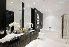 Resultado de imagem para bathroom black and white