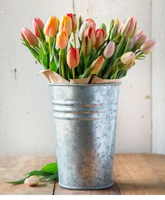 There's no sadder sight than when you've bought some freshly cut tulips and the moment you put them into a vase, they wilt. But, fear not, as we have come across a nifty little way of ensuring your beautiful flowers stay upright and looking gorgeous. Cut Flowers, Fresh Flowers, Spring Flowers, Beautiful Flowers, Flower Vases, Flower Arrangements, Flower Pots, Flowers Last Longer, Color Symbolism