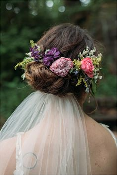 #flowerhair #weddinghair @weddingchicks