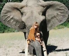 Tippi born in Namibia, where her parents, Alain Degré and Sylvie Robert, worked as freelance wildlife photographers. she befriended wild animals, including a 28-year old elephant, a leopard, crocodiles, lion cubs, giraffes, a Northern Greater Galago, a Banded Mongoose, an Ostrich, meerkats, a baby zebra, a cheetah, a Caracal, a snake, an African Grey Parrot, giant bullfrogs and chameleons.She also befriended the Bushmen and the Himba tribespeople