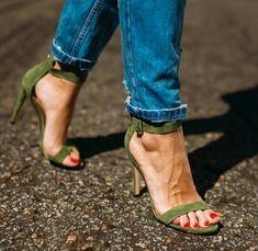 Talons Avec Bride Cheville, Escarpins, Chaussure, Mode, Chaussures Talons  Bottes, Chaussures 3a38eac8540