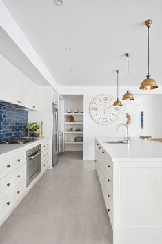 Types Of White Kitchen Splashback Tiles How To Choose The Right Kitchen Splashback Making Your Home Beautiful with ucwords] Layout Design, Design Ideas, Kitchen Splashback Tiles, Timeless Kitchen, Butler Pantry, Kitchen Butlers Pantry, Kitchen Reno, Kitchen Remodeling, Remodeling Ideas