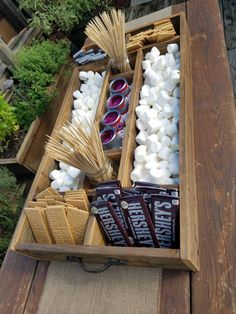 Large Rustic Wood Smores Bar Station Smores S & # s; mores bar Large Rustic Wood Smores Bar Stat Grad Parties, Birthday Parties, Outdoor Graduation Parties, Graduation Party Desserts, Bonfire Birthday Party, Guy Graduation Party Ideas, 12th Birthday Party Ideas, Wedding Parties, Bachelorette Parties