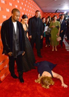Amy Schumer Revists the Night She Pranked Kim Kardashian and. Amy Schumer Revists the Night She Pranked Kim… Kim Kardashian Kanye West, Kim And Kanye, Kylie Jenner Lips, The Band Perry, Amy Schumer, Ludacris, Madame Tussauds, Jennifer Hudson, Joan Jett