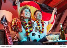 Fußball WM 2018 – Wer sind die vermeintlichen Außenseiter? - Bald beginnt die Fußball WM 2018 und die Lokale werden wieder voll sein. Wie immer wird es auch in Deutschland verschiedene Plätze geben, wo die WM in vollen Zügen verfolgt werden kann. Natürlich stellt sich die Frage, wer neuer Fußball-Weltmeister wird. Doch was sind die vermeintlichen Auße - #Aktuelles #Männermagazin #derneuemann Germany