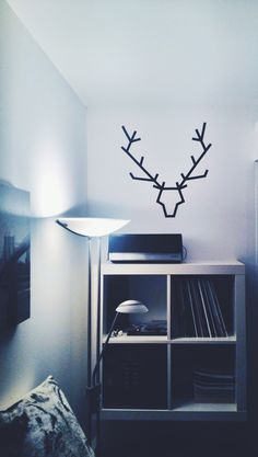 Adhesive tape = DIY deer head do it yourself #homeimprovement #home #idea #homesweethome