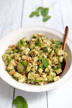 Recette de salade de concombre Feta, Manger Healthy, Best Fat Burning Workout, Homemade Beauty Products, Snacks, Vegetables, Recipes, Inspiration, Chopped Salads