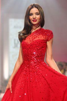 Helen Reddy:Leave Me Alone (Ruby Red Dress) Lyrics ...