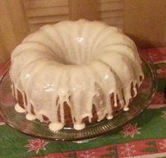 You need this cinnamon roll pound cake in your life! Bundt Cake Recipe Using Cake Mix, Sock It To Me Cake Recipe, Recipes Using Cake Mix, Cookie Cake Pie, Pie Cake, Cake Recipes, Peanut Butter Sheet Cake, Cake Mixture, Vegetarian Cake