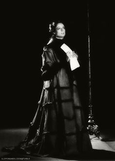 Maggie Smith as Lady Macbeth,1978 at Stratford Festival (Source: slippingandsliding) -- KWLT's 2013 production of Macbeth, directed by Jonathan C. Dietrich