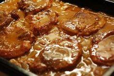 Pork shoulder on onions No Salt Recipes, Pork Recipes, Czech Recipes, Ethnic Recipes, Easy Cooking, Cooking Recipes, Ukrainian Recipes, Good Food, Yummy Food