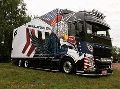 Show Trucks, Big Trucks, Hot Black Women, Volvo Trucks, Truck Design, Peterbilt, Cool Paintings, Hot Rods, Diesel