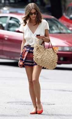Summer outift: print mini and white flowy blouse with bright flats - Olivia Palermo