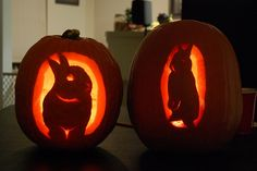 Billy on the left carved by me, Ronnie on the right carved by Chris Rabbit Halloween, Halloween Pumpkins, Halloween Crafts, Halloween Jack, Halloween Horror, Fall Crafts, Halloween Ideas, Easy Pumpkin Carving, Pumpkin Carving Patterns