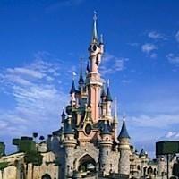 Disneyland Paris   @ www.izzyocity.com/
