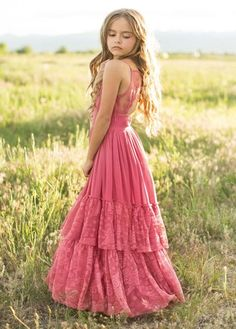 Look effortlessly elegant and playful all at once with this boho maxi dress featuring a full tiered skirt with lace ruffles and a scalloped lace detail in the back. This dress is perfect for twirling on fall days. Flower Girl Dresses Boho, Girls Maxi Dresses, Fall Dresses, Fashion Dresses, Bridesmaid Dresses, Sirens Fashion, Beachwear Fashion, How To Pose, Lace Ruffle