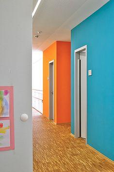 Starke Farben für starke Kids: Caparol Design Studio, Stark, Bathroom Lighting, Mirror, Kindergarten, Verona, Furniture, 3d, Home Decor