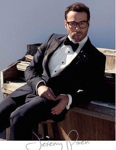 mensfashionworld: Jeremy Piven by Karl Simone for August Man Malaysia Dapper Gentleman, Gentleman Style, Sharp Dressed Man, Well Dressed Men, Mens Evening Wear, Look Fashion, Mens Fashion, Formal Fashion, Jeremy Piven