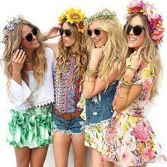 How the Flower Crown Became the It-Accessory of Coachella Find the perfect sunglasses to match with Look Festival, Festival Fashion, Jazz Festival, Hippie Style, Hippie Boho, Bohemian, Boho Style, Outfits Hippie, Flower Power Party