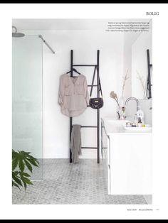 Bathroom Inspiration, Wardrobe Rack, Ladder Decor, Furniture, Home Decor, Decoration Home, Room Decor, Home Furnishings, Home Interior Design