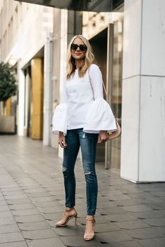How to Style Your Jeans This Spring with Amy Jackson – Glam Radar Amy Jackson, Classy Outfits, Stylish Outfits, Beautiful Outfits, Casual Chic, Fashion Mode, Fashion Outfits, Steve Madden Stecy, Bluse Outfit
