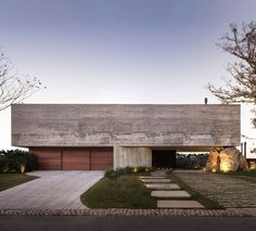 11 Houses with Modern Architecture and Design Minimalist Architecture, Contemporary Architecture, Amazing Architecture, Residential Architecture, Architecture Design, Casas Country, Casas Containers, Concrete Houses, Facade House