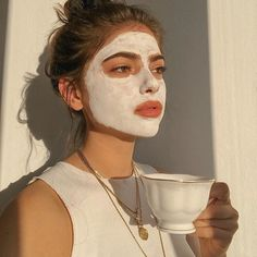 skin face skin no makeup skin requires commitment skin secrets skin tips Aesthetic Photo, Aesthetic Girl, Aesthetic Pictures, Beige Aesthetic, Aesthetic Design, Photographie Portrait Inspiration, Shotting Photo, Insta Photo Ideas, Beauty Skin
