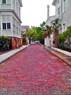Looking down Church St across from White Point Gardens / Battery Park in downtown Charleston, South Carolina