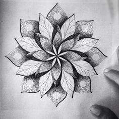 """Mandala toda feita de pontinhos! Ainda disponível #art #arte #draw #drawing #desenho #mandala #tattoo #tatuagem #ink #inked #dotwork #blackwork"""