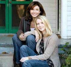 Mary Steenburgen and her daughter Lilly own Nell's Compass, a candle company that donates $2 of every sale to Heifer International. Steenburgen talks Home Decor, Candles & Entertaining