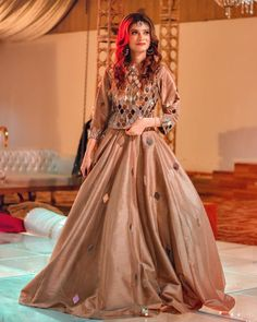 Pakistani Mehndi Dress, Beautiful Pakistani Dresses, Pakistani Fashion Party Wear, Indian Fashion Dresses, Pakistani Formal Dresses, Frock Fashion, Pakistani Wedding Outfits, Pakistani Dress Design, Indian Designer Outfits