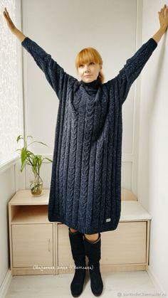 """Платья ручной работы. Вязаное  кашемировое платье  """"Черное море"""". Связанная мода (Светлана) (barkinder). Ярмарка Мастеров. Длинное платье Hand Knitted Sweaters, Knitted Poncho, Long Sweaters, Knitted Hats, Knitted Coat Pattern, Baby Hat Knitting Pattern, Fall Fashion Outfits, Knit Fashion, Pinterest Fashion"""