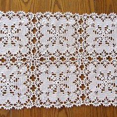 New Orleans Bedspread pattern by American Thread Company - Ganchillo! Crochet Tablecloth Pattern, Crochet Bedspread, Crochet Square Patterns, Crochet Stitches Patterns, Crochet Squares, Doily Patterns, Filet Crochet, Crochet Motif, Lace Doilies