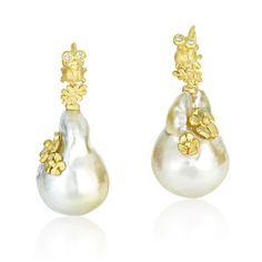 Vibes baroque pearl earrings