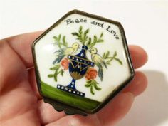 Antique Bilston Enamel PEACE AND LOVE - 2 Birds on Urn Flowers Pill Snuff Box