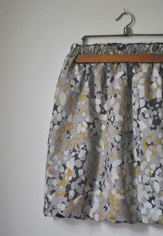 Avec le tissu à motif plus long que le tissu uni... Tuto-couture: La jupe réversible [DIY inside]  #skirt #tutorial #sewing pattern