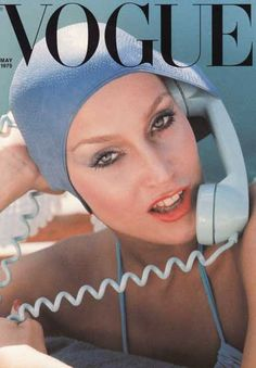 Handbags Vintage Vogue magazine covers: and - Know your fashion history? Then test it out with this look at vintage Vogue magazine covers from the and Vogue Vintage, Vintage Vogue Covers, Vintage Fashion, Vintage Models, Vintage Clothing, Vintage Outfits, Vogue Magazine Covers, Fashion Magazine Cover, Fashion Cover