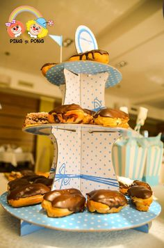 suport-prajituri-cu-3-etaje-candy-bar-albastru-botez Bar, Gingerbread Cookies, Candy, Desserts, Food, Sweet, Ginger Cookies, Toffee, Postres