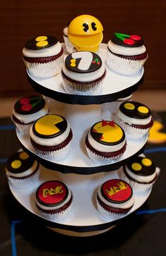 Retro Pac Man Fondant Cupcake Toppers by ClaudiaCupcakeLady Fondant Cupcake Toppers, Cupcake Cakes, Pac Man Party, Chicken And Shrimp Recipes, Fondant Decorations, Cake Art, Recipe Using, Cookies, Amazing Cakes
