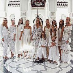 Que soñéis con bodas así de bonitas como la de @poppydelevingne en @lamamouniamarrakech...  #poppydelevingne #poppydelevingnebride #weddingpoppy #wedding #bride #lamamounia #vestidonovia #lamamouniamarrakech #novia #weddingdress #vestidodenovia #bodamarrakech #moroccowedding #moroccanwedding http://ift.tt/2kNJBSG