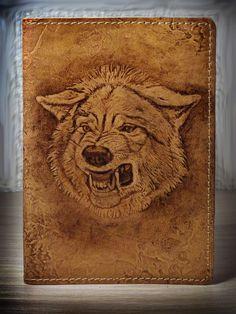 Чтобы уравновесить шансы с козлами и баранами в наступающем году, мы запустили в работу нашего волчка. Сделали его позлее и посерьёзнее. Так что, если кому нужен оберег (а волк, или волчица очень мощное тотемное животное), обращайтесь. И, кстати, пригласите к нам в группу друзей. Новый год обещает быть интересным!!! К нашему привычному материалу- коже, будем добавлять другие направления!