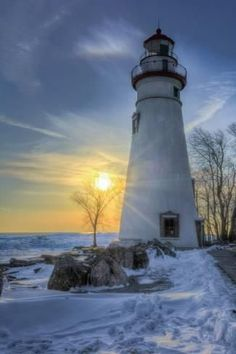 Marblehead Lighthouse Sunrise Photographic Print by Michael Shake Photographic Print: Marblehead Lighthouse Sunrise by Michael Shake : Lighthouse Lighting, Lighthouse Pictures, Lighthouse Painting, Marblehead Lighthouse, Mountain Photography, Scenic Photography, Landscape Photography, Light Of The World, Water Tower