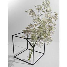 Cube flower holder