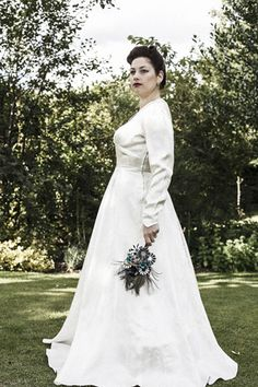 1950s 'Gordon Gowns' ivory embroidered vintage wedding dress