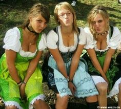 Oktoberfest Costume, Oktoberfest Beer, Octoberfest Girls, Drindl Dress, Beer Maid, Beer Girl, German Girls, Gorgeous Blonde, Beer Festival