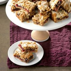 Cranberry Date Bars. I love date bars, I bet these are even better! Church Potluck Recipes, Potluck Dishes, Potluck Ideas, Just Desserts, Dessert Recipes, Bar Recipes, Recipies, Picnic Recipes, Candy Recipes