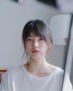 Icons Girls, Asian Short Hair, Glowing Face, Cute Korean Girl, Bae Suzy, Korean Actresses, Korean Beauty, Ulzzang Girl, Kpop Girls